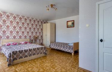 Гостиница, 706 м² в пгт. Новофёдоровка